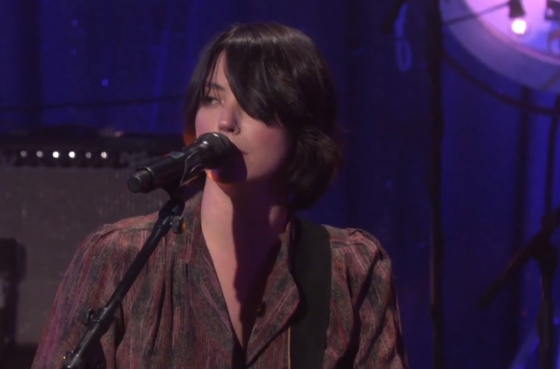 "Sharon Van Etten ""I Don't Want to Let You Down"" (live on 'Ellen')"