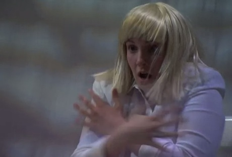 "Sia ""Chandelier"" (live on 'Meyers') (ft. Lena Dunham)"