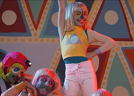 "Sia ""Chandelier"" / ""Big Girls Cry"" / ""Elastic Heart"" (live on 'Kimmel')"