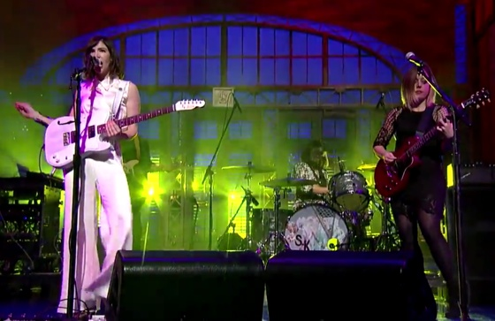 "Sleater-Kinney ""A New Wave"" (live on 'Letterman')"
