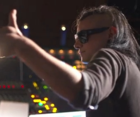 Skrillex & the Doors 'Breakin' a Sweat' (video)