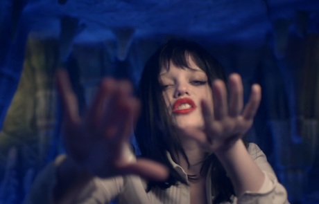 "Sky Ferreira ""Night Time, My Time"" (video)"