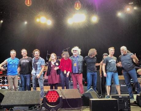 Sleater-Kinney Members Join Pearl Jam Onstage