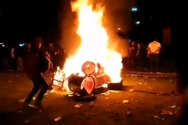 Angry Slipknot Fans Set Fire to Evanescence's Gear in Mexico