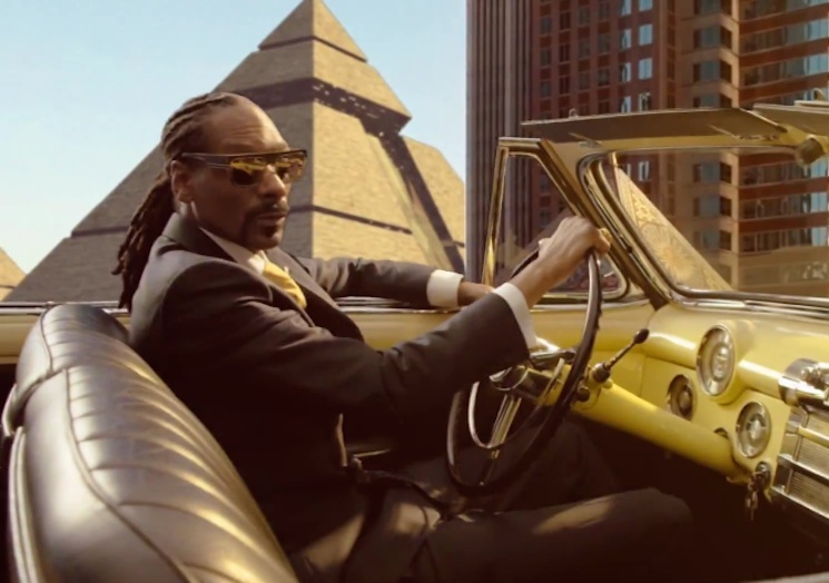 "Snoop Dogg ""California Roll"" (ft. Pharrell and Stevie Wonder) (video)"