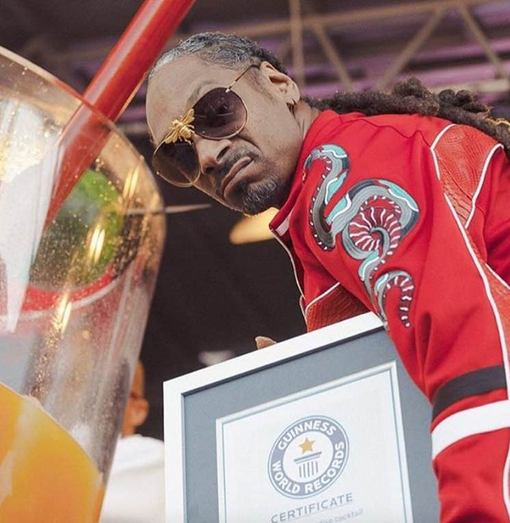 Snoop Dogg Sets Record for World's Largest Gin and Juice Cocktail