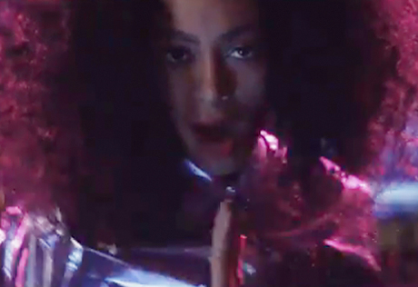 "Solange ""Lovers in the Parking Lot"" (video)"