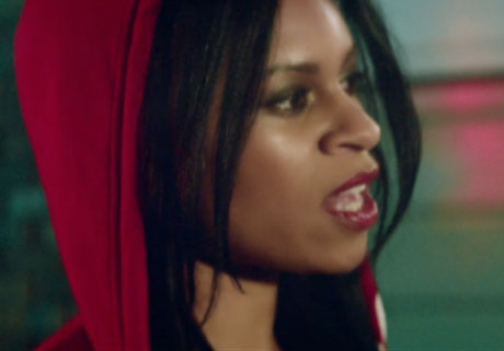 AlunaGeorge 'Attracting Flies' (video)