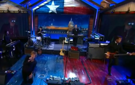 "Spoon ""Inside Out"" / ""Do You"" (live on 'The Daily Show')"