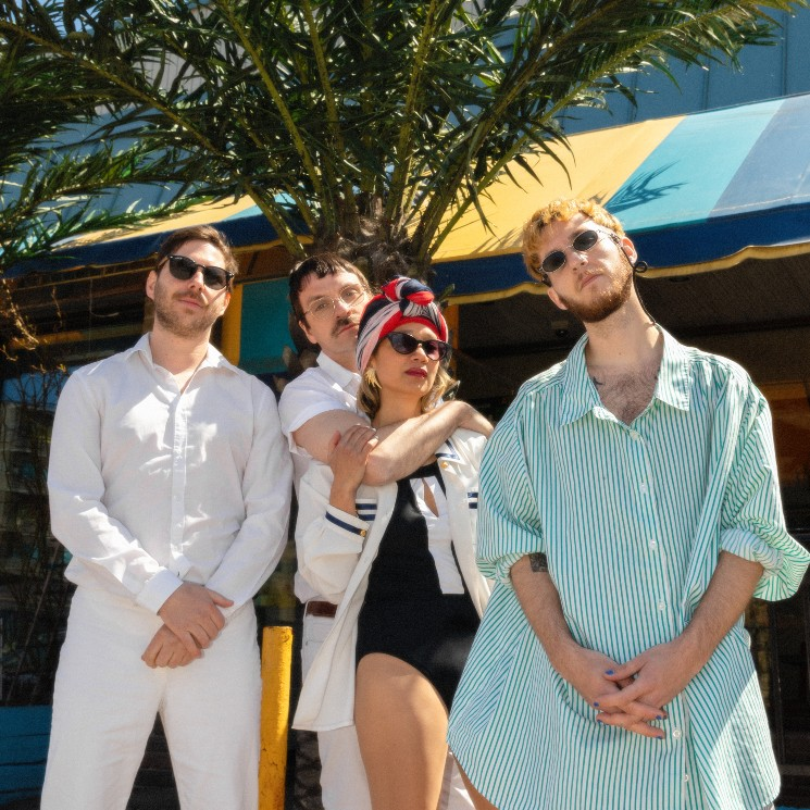 Super Plage and Le Couleur Play 'Touristes' on New Single