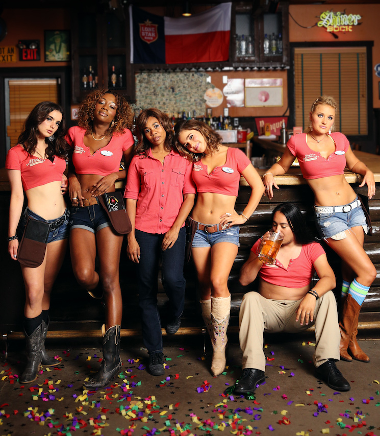 'Support the Girls' Finds Heart in a Hooters Knockoff Directed by Andrew Bujalski