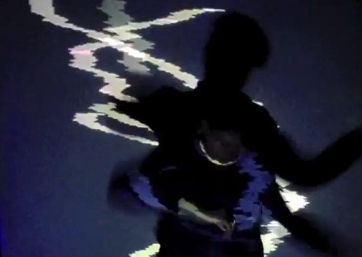 """Sur Une Plage """"Minimum"""" (video)"""