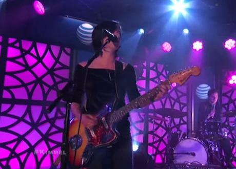 Sharon Van Etten 'Tarifa' / 'Break Me' (live on 'Kimmel')