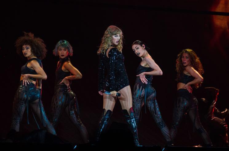 Taylor Swift Announces 'The Reputation Stadium Tour' Concert Film for Netflix