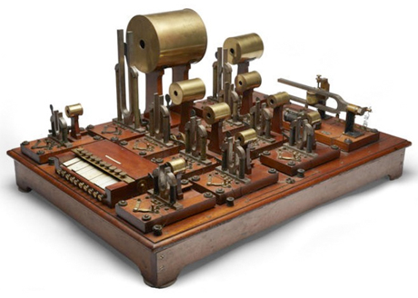 World's First Electronic Synthesizer Up for Auction