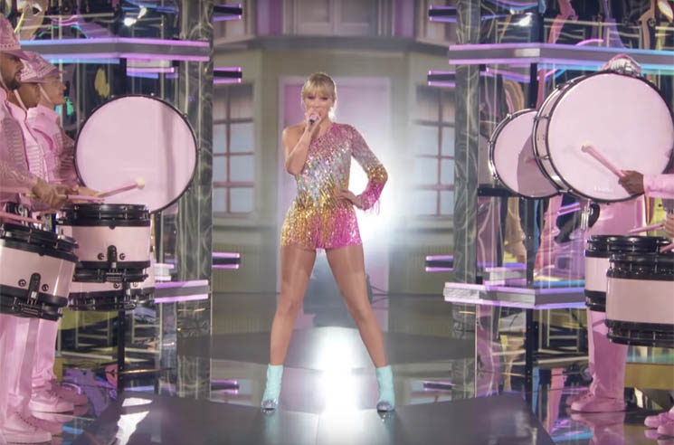 A Lot of People Think Taylor Swift Ripped Off Beyoncé's 'Homecoming' at the BBMAs