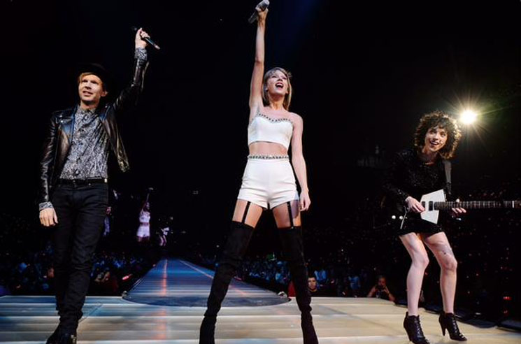 Taylor Swift 'Dreams' (ft. Beck and St. Vincent) (live video)