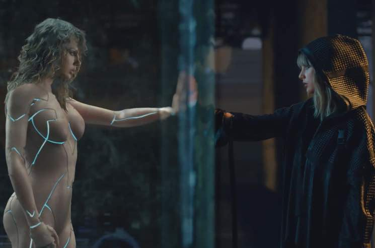 ​Twitter Is Pissed at Taylor Swift Again for Ripping Off the Whitewashed Version of 'Ghost in the Shell'