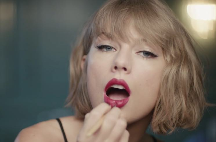 Taylor Swift Rocks Out to Jimmy Eat World in Latest Apple Music Ad