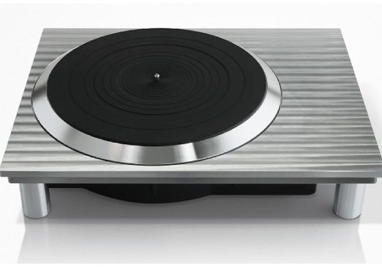 Panasonic Resurrects the Technics Turntable