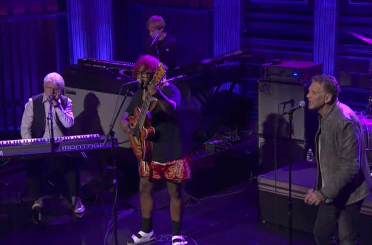 ​Watch Thundercat Bring Out Kenny Loggins and Michael McDonald for 'Show You the Way' on 'Fallon'