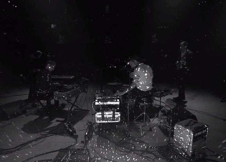 Timber Timbre 'Live at Massey Hall' (video)