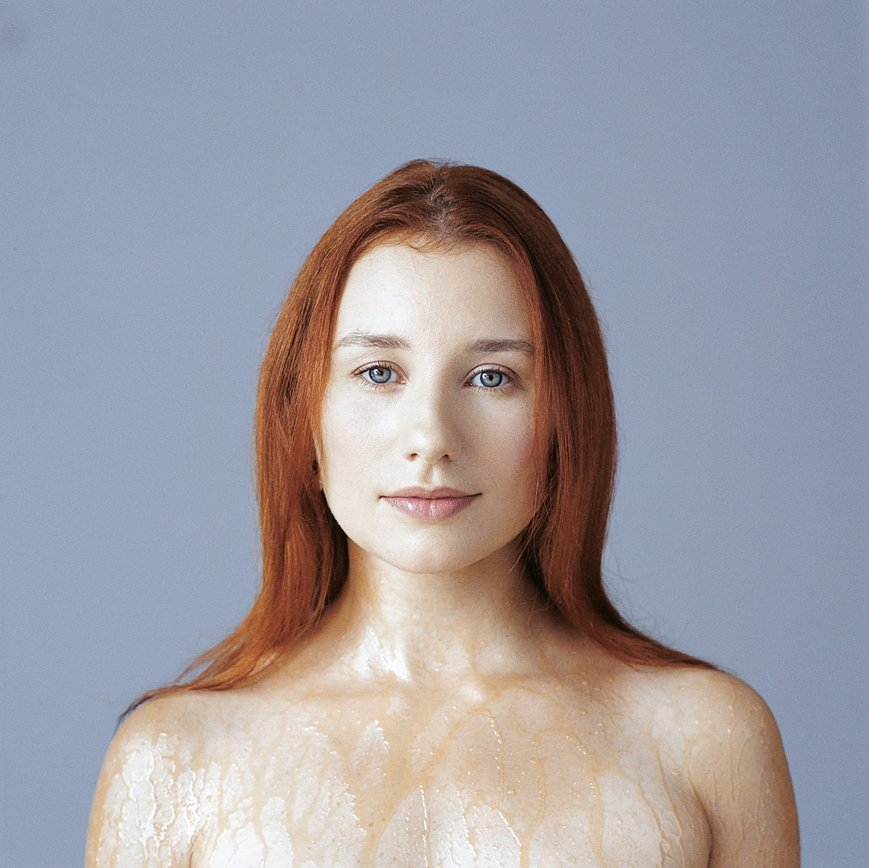 Tori Amos Announces Expanded 'Little Earthquakes' and 'Under the Pink' Reissues