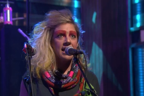 "tUnE-yArDs ""Water Fountain"" (live on 'Fallon')"