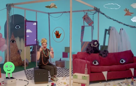 "tUnE-yArDs ""Water Fountain"" (video)"