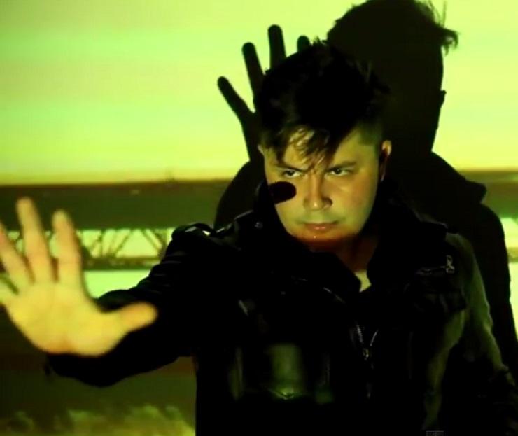 "Uniter ""Red Lights"" (video)"