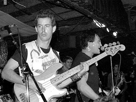 Fear Bassist Derf Scratch Dies