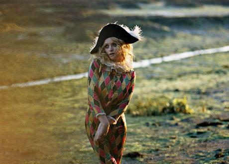 Goldfrapp Scoring John Lennon Biopic <i>Nowhere Boy</i>