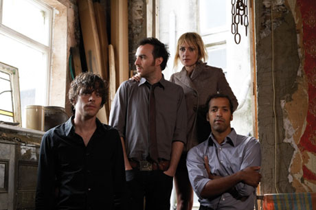 "Metric Stay ""Indie"" For Fourth Album"