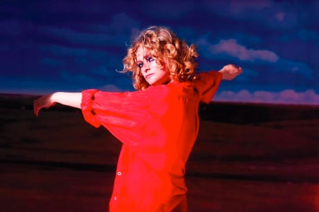 "Goldfrapp ""Alive"" (video)"
