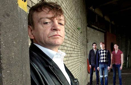 Mark E. Smith Physically Attacks the Cribs, Gets Verbally Attacked By Nick Cave