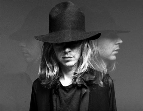 Beck Invites Band of Horses For Canadian Dates