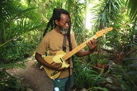 "Earl ""Chinna"" Smith & Idrens Inna de Yard Vol. 2"