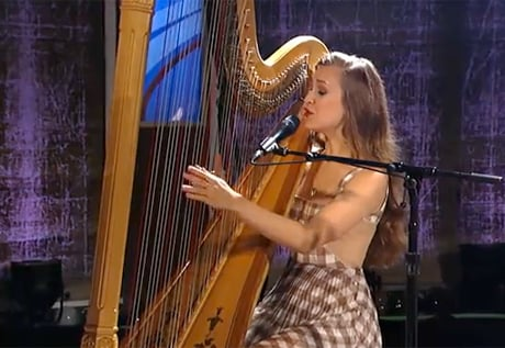 "Joanna Newsom ""Look and Despair"" (live video)"