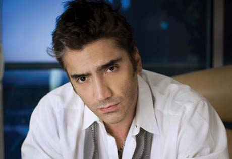 Police Raid Sony Mexico Offices After Legal Dispute Between Label and Latin Pop Singer Alejandro Fernandez
