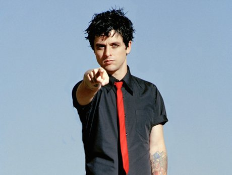 Green Day's Billie Joe Armstrong Ejected from Flight for Wearing His Pants Too Low