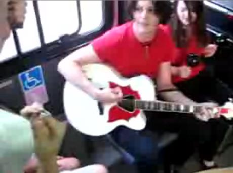 White Stripes Ride Winnipeg Transit, Play Gig