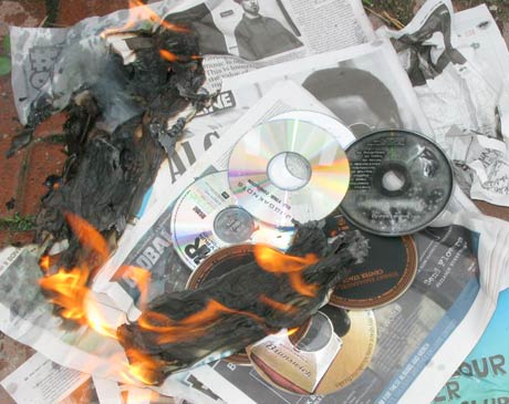 Virginia Pastor Calls For the Burning of Violent CDs and Videogames