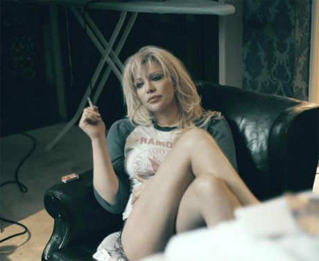 "Courtney Love's Album Delayed By ""Ghosts and Gerbils"""