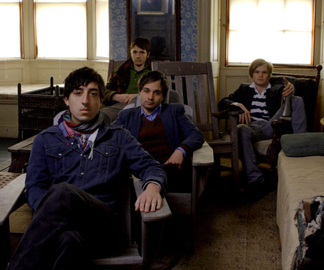 Grizzly Bear Share Animal Collective Song, Issue Apology