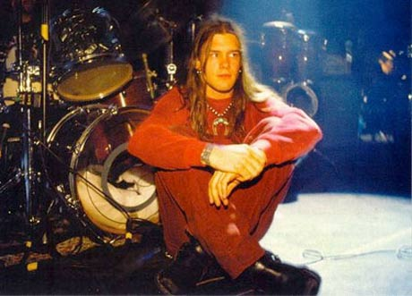 Surviving Blind Melon Members to Unveil Shannon Hoon Documentary