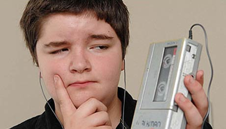 13-Year-Old Trades iPod for Walkman, Hilarity Ensues
