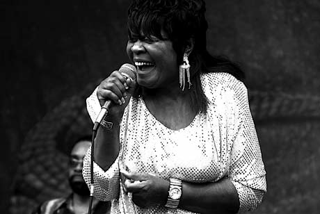 "Koko Taylor, ""Queen of the Blues,"" Dies at 80"