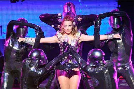 Kylie Minogue's <i>Aphrodite</i> Tour Hits North America, Kicks Off in Montreal