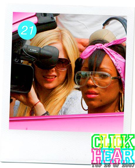 Avril Lavigne feat. Lil Mama 'Girlfriend (Remix)'