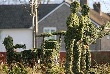 Someone Call <i>CSI</i>: Ringo Starr Sculpture Beheaded
